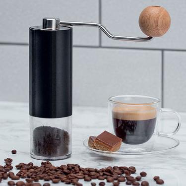 Dualit handzame koffiebonenmolen met koffie